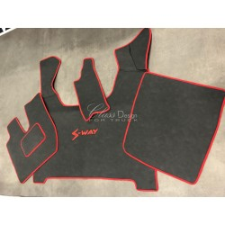 Tapis et couvre moteur pour Iveco S-Way Deluxe noir lisse